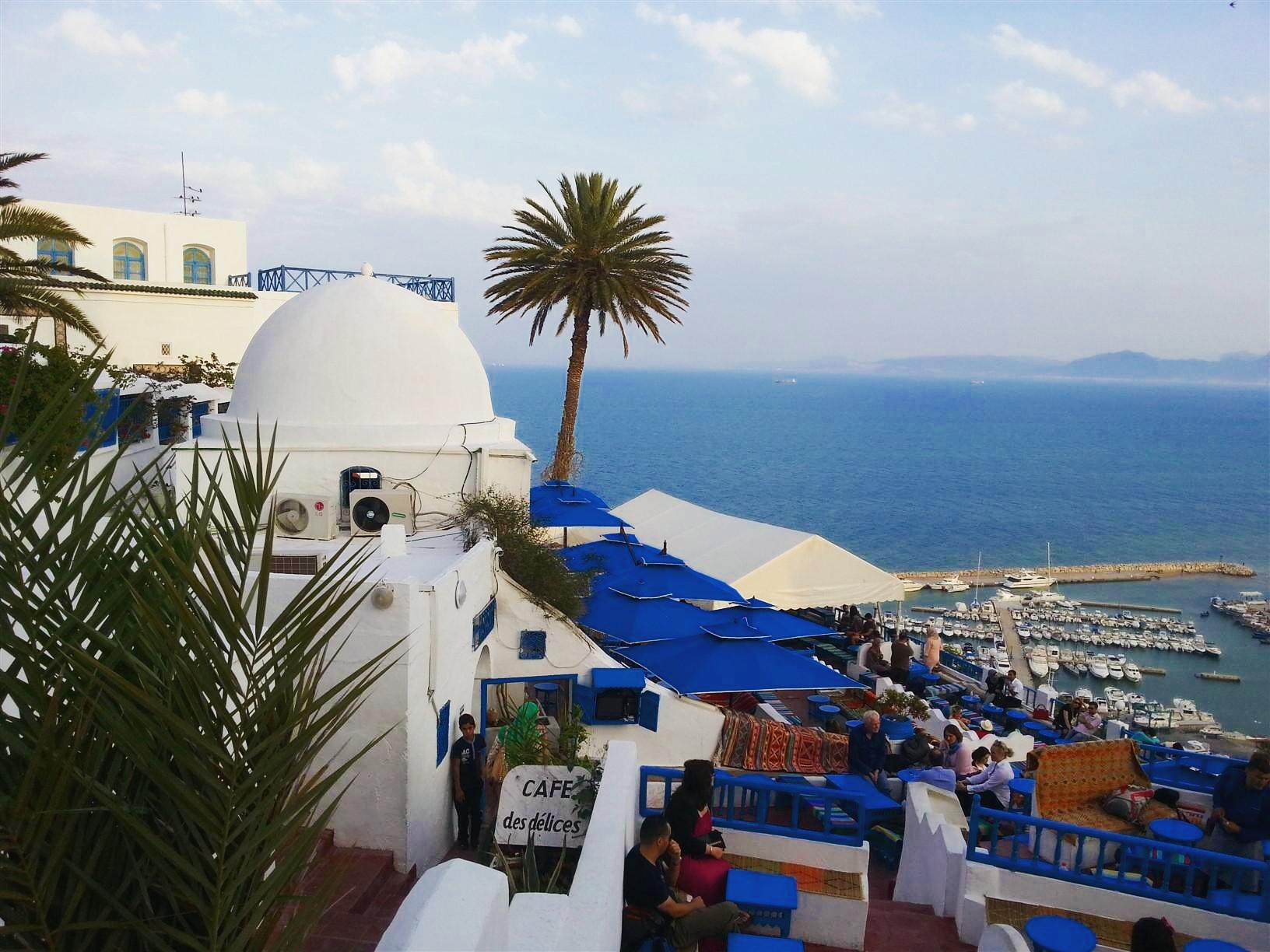 @gezibo's cover photo for 'Tunus'un mavi beyaz küçük cenneti: Sidi Bou Said!'