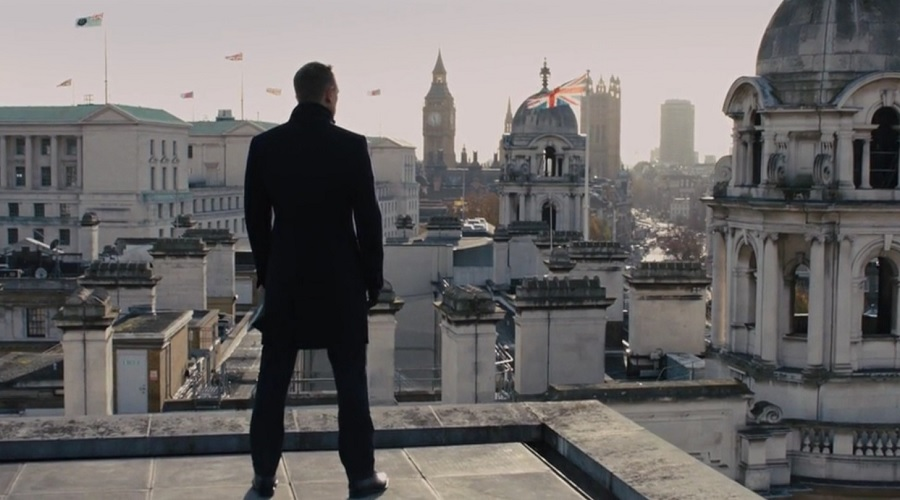 @iconicalternatives's cover photo for '4 Ways to Wear the James Bond Navy Overcoat - Iconic Alternatives'