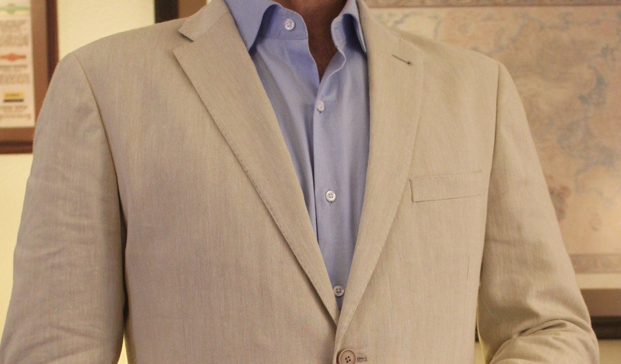 @iconicalternatives's cover photo for 'Gagliardi Linen Cotton Suit Review - Iconic Alternatives'