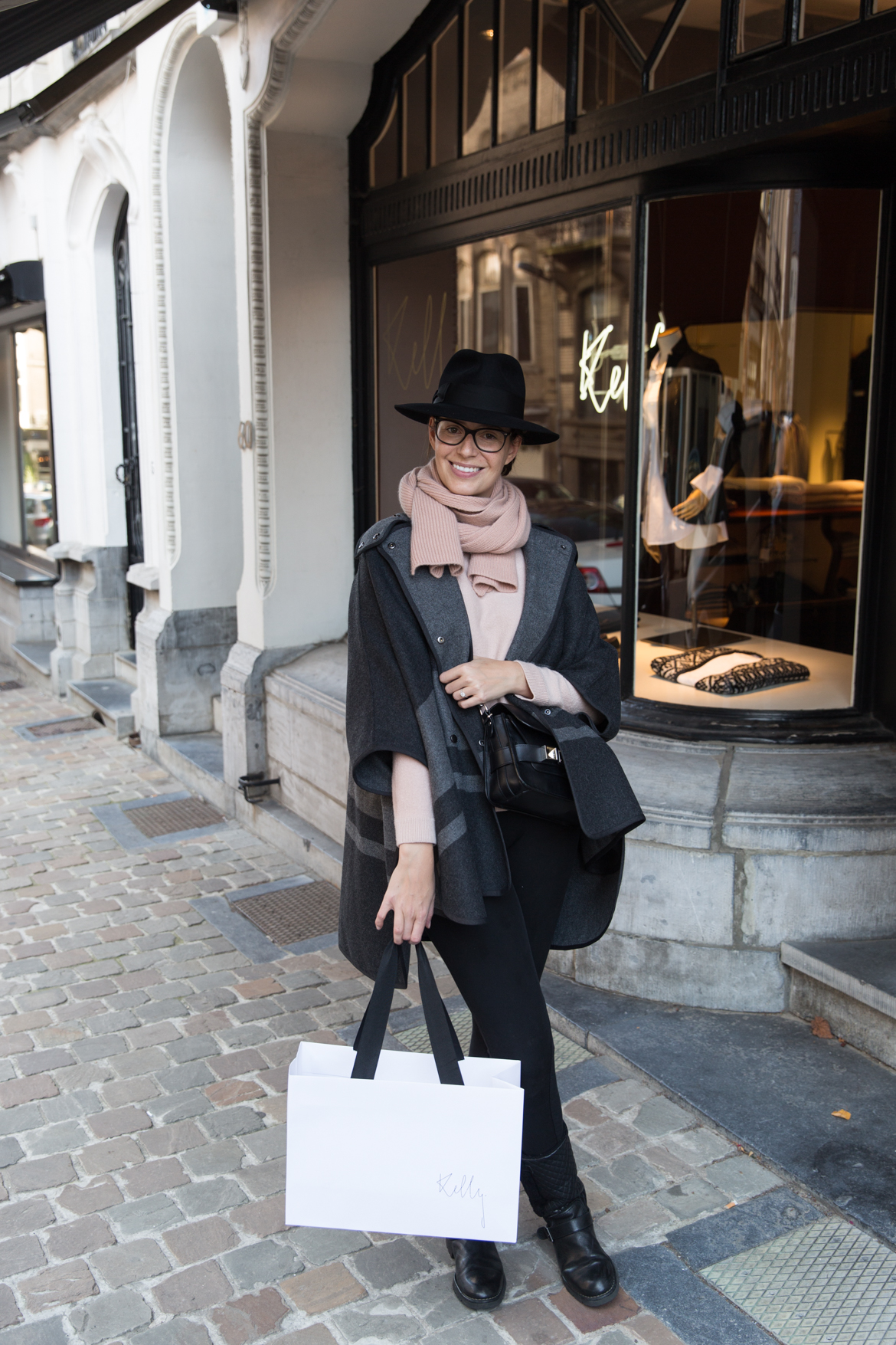 @70percentsteph's cover photo for 'Kelly Shop in Brussels - 70percentpure'