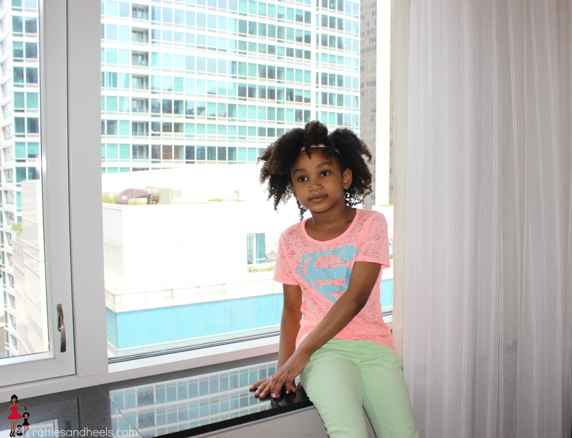 @rattlesandheels's cover photo for 'Where to stay in Chicago with kids - Rattles & Heels'
