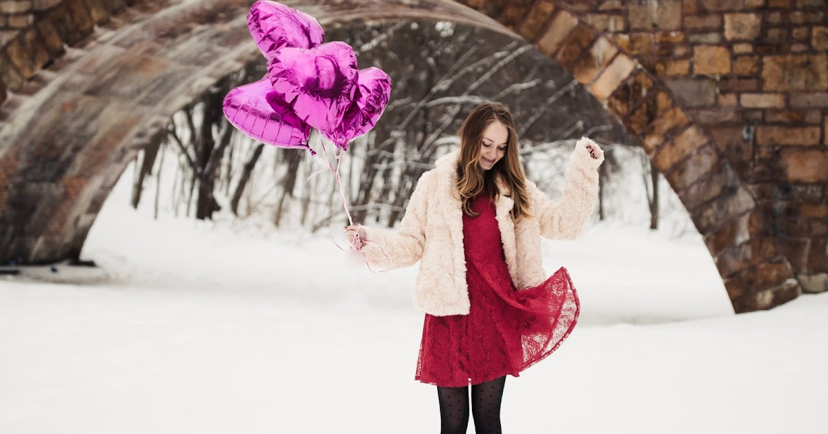 @chowdownusa's cover photo for 'Chow Down USA: Red Lace Dress in the Snow for Valentine's Day'