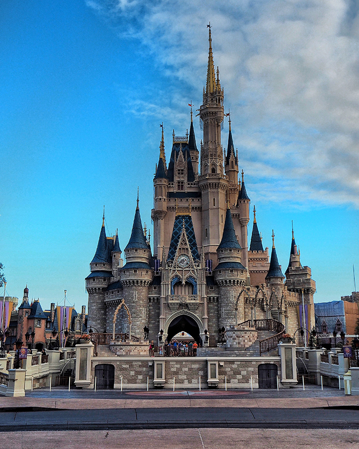 @taylor_fuller's cover photo for 'Helpful Tips For Visiting Disney World - #travelcolorfully'