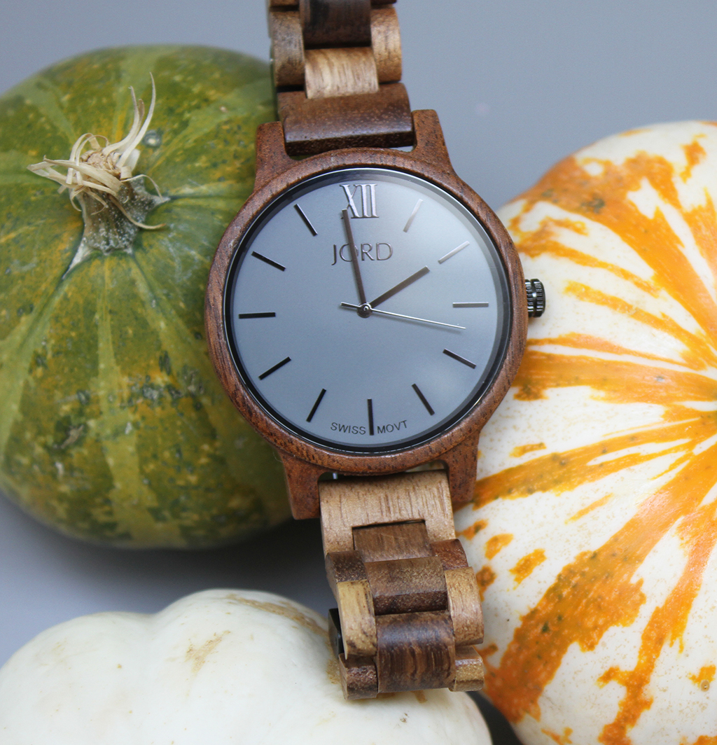 @ohsolovely_blog's cover photo for 'JORD wood watch with ash grey face and Koa band'