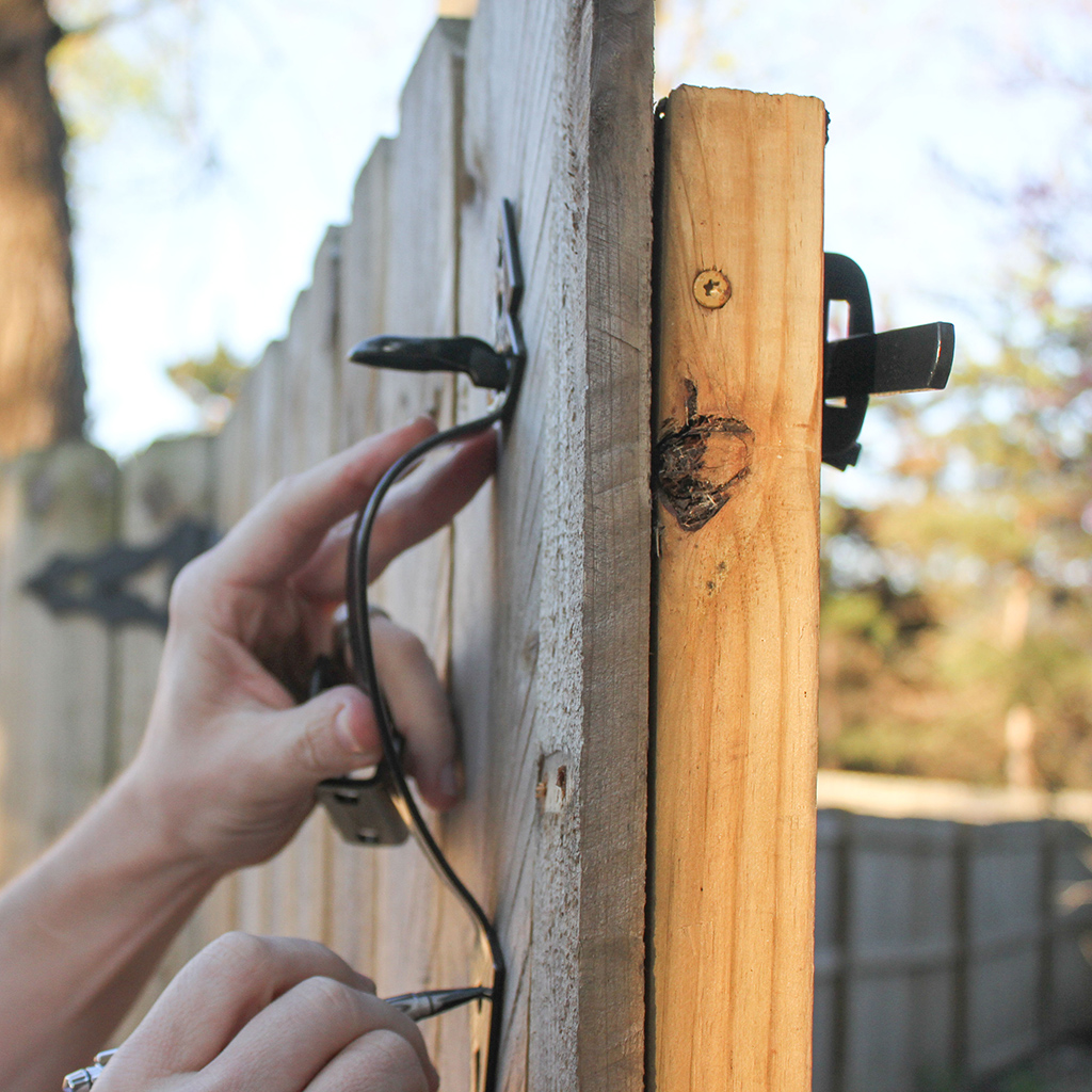 @ohsolovely_blog's cover photo for 'DIY tutorial install National Hardware gate latch + giveaway'