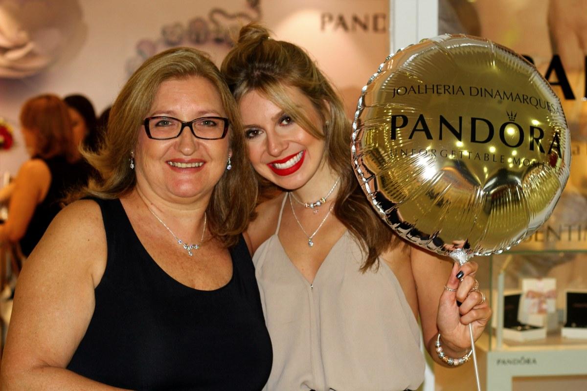 """@mirellacabaz's cover photo for 'PANDORA Dia das Mães – Lançamento Coleção """"Sentimentos de Família""""'"""