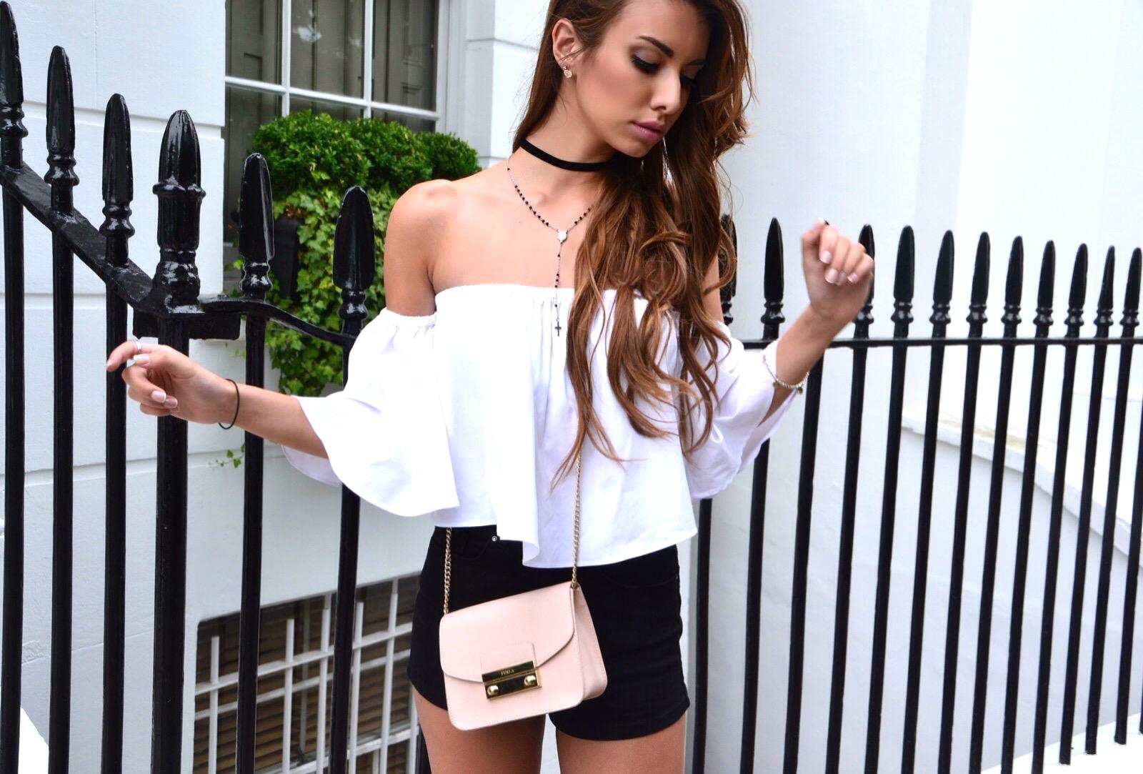 @benedettamennini's cover photo for 'Il look perfetto per South Kensington'