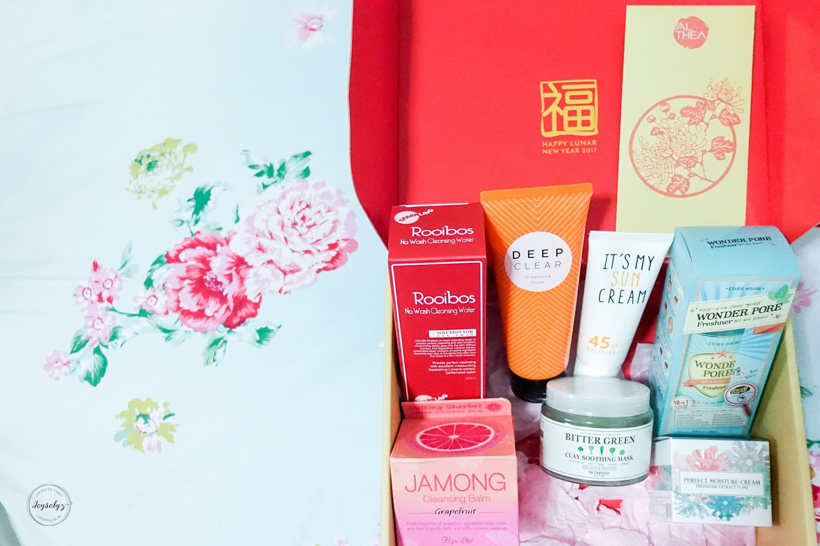 @joysofyz's cover photo for 'Joysofyz: [Beauty]: Unboxing Althea's Anti-Pollution Beauty Box'