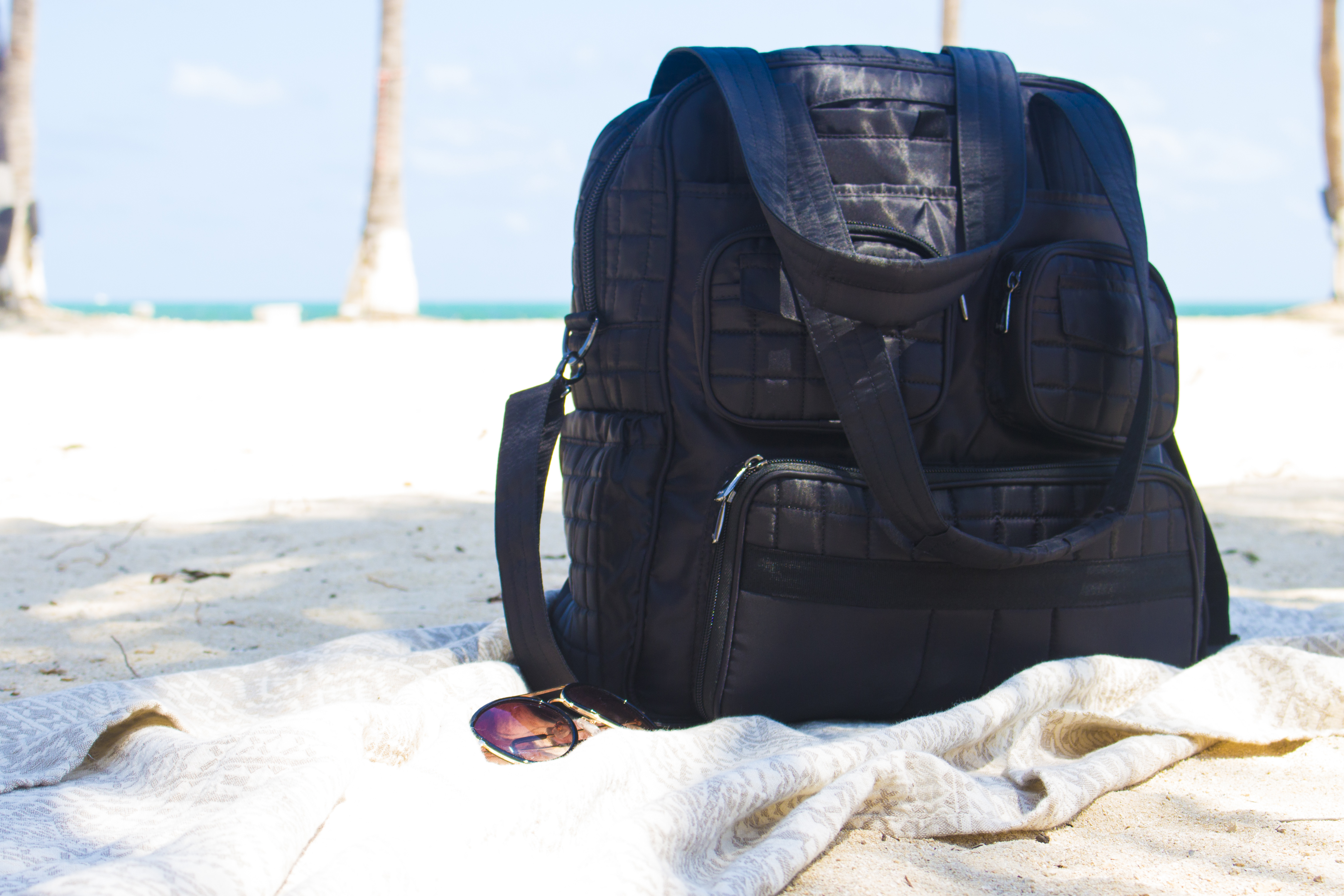 @shopwithkendallyn's cover photo for 'A Traveler's Must-Have: Lug Bags (Review + GIVEAWAY) - Shop with Kendallyn'