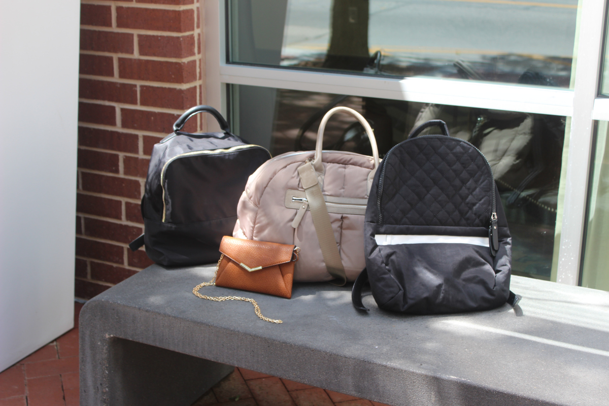 @sociallyfitdallas's cover photo for 'Sol & Selene Gym Bags'