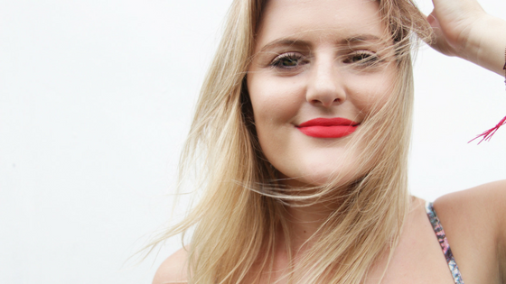 @monetleebeauty's cover photo for 'BEST RED LIP FOR BLONDES (PS IT'S CRAZY AFFORDABLE)- Monet Lee Beauty'