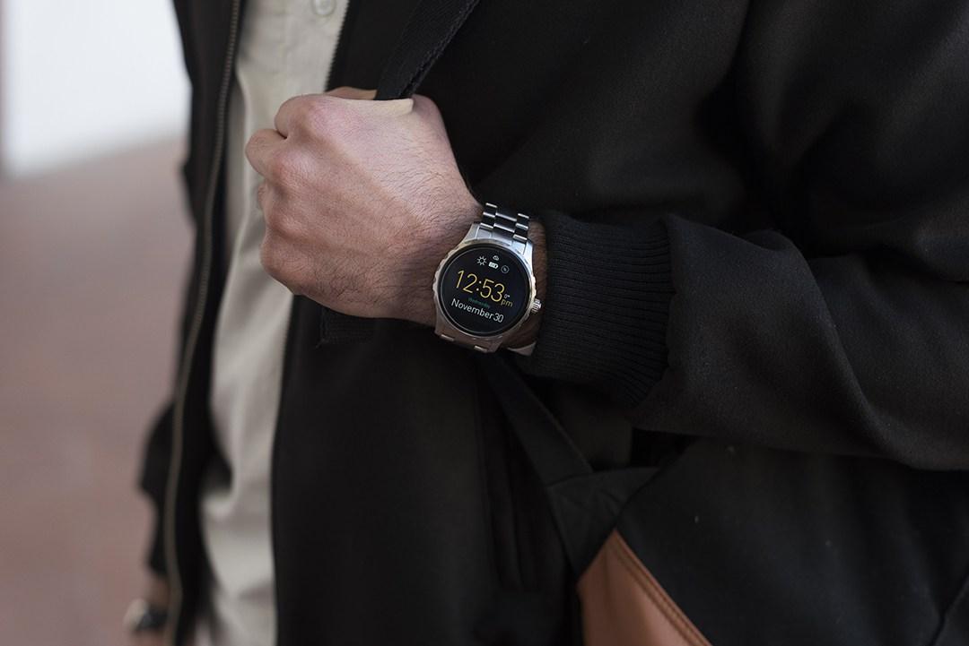 @francesco_fucile's cover photo for 'Fossil Smartwatch'