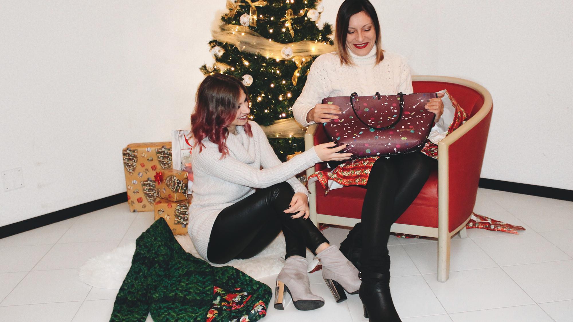 @ladylilith92's cover photo for 'Un regalo speciale con Desigual • Valentina Del Sette'