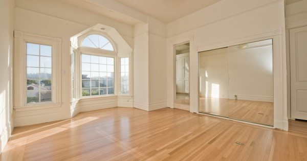 @49milessf's cover photo for 'On The Market: Beautifully Updated Victorian in Presidio Heights'