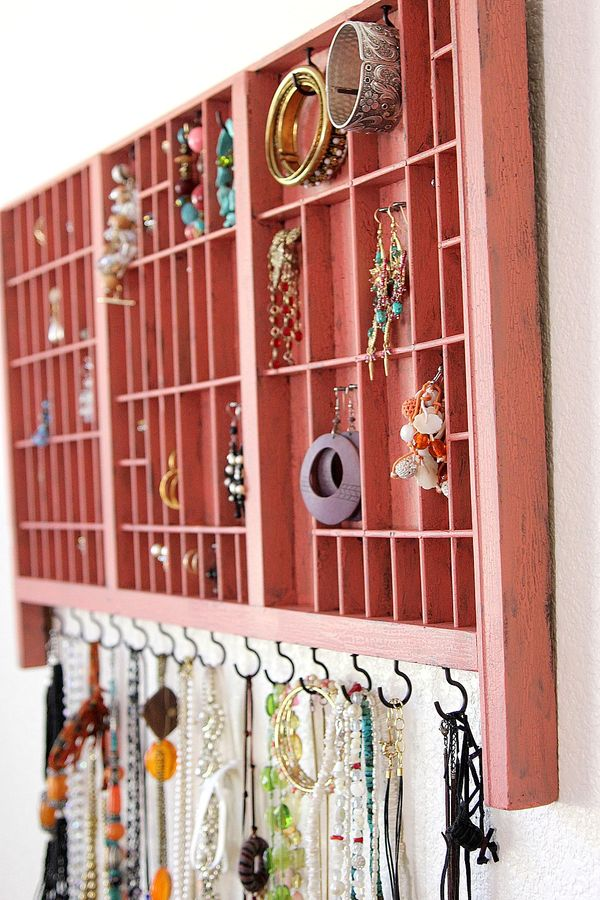 @tonyastaab's cover photo for 'Jewelry Organizer (and a giveaway)'