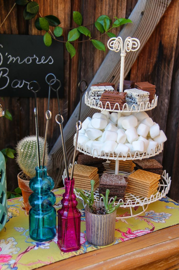 @tonyastaab's cover photo for 'How To Set Up A S'mores Bar For Summer Entertaining'