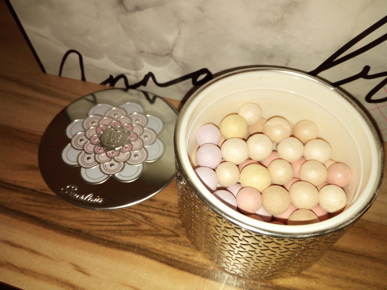 @beverly.heals's cover photo for 'Météorites Pearls пудра від Guerlain | Artgardo'