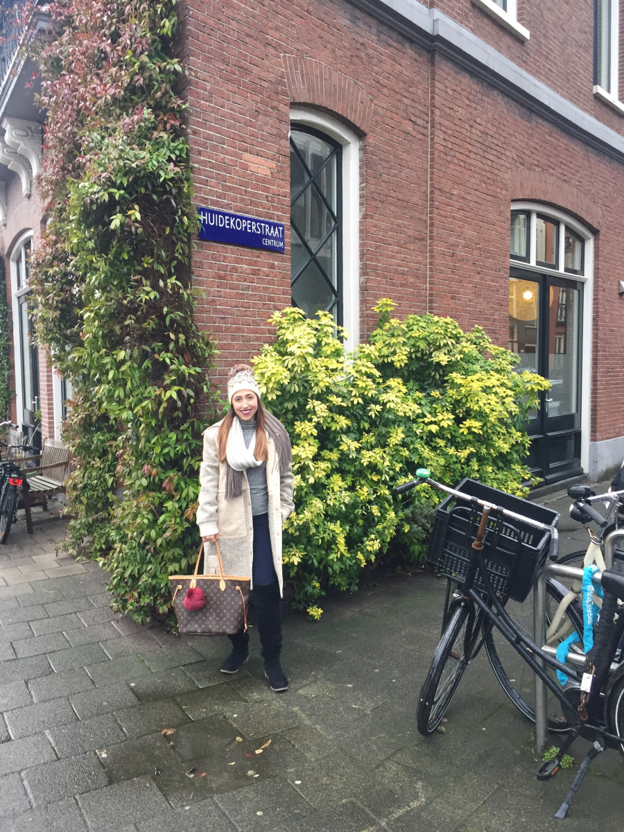 @hausoflo's cover photo for '4 things you didn't know about Amsterdam'