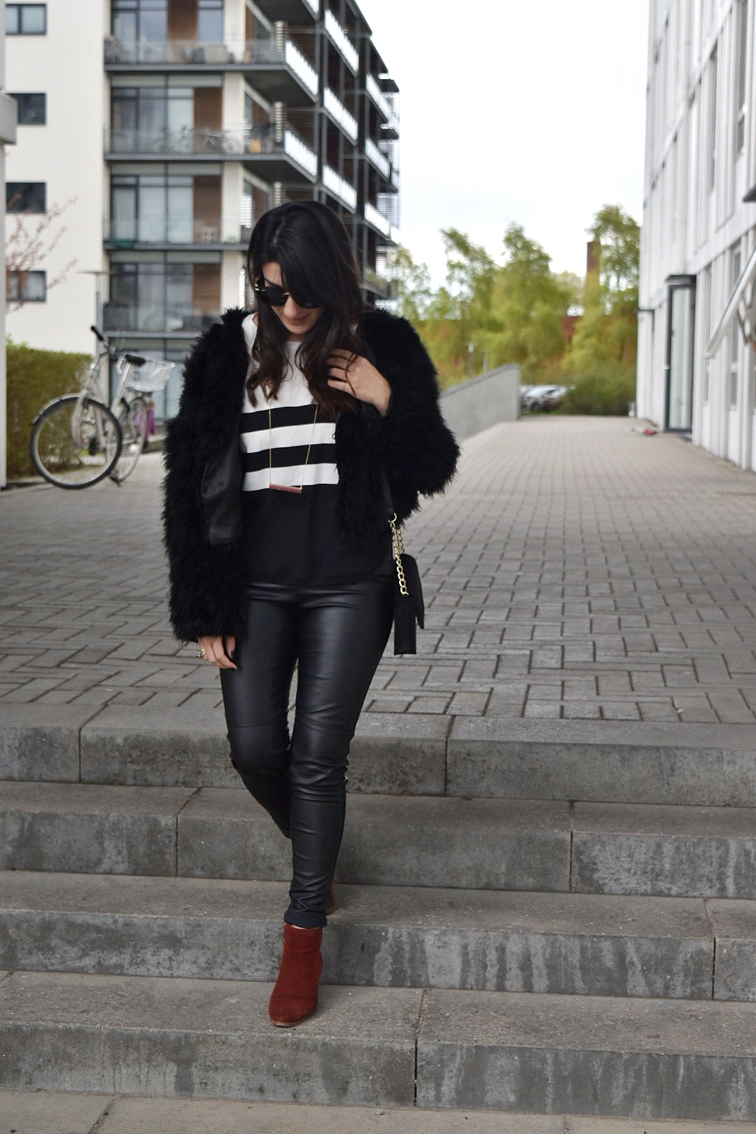 @nathalia_stenbo's cover photo for 'Black and white look with a twist of red'