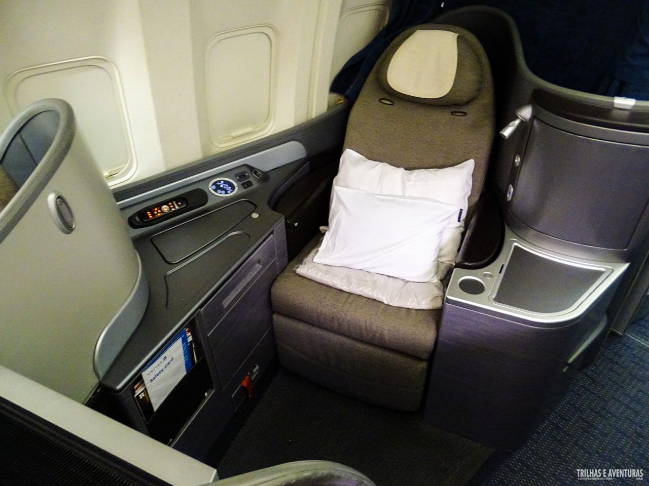 @aventureiros's cover photo for 'SDU x IAD - Voando United Airlines na Economy Plus e Business Class - Viagens Possíveis'