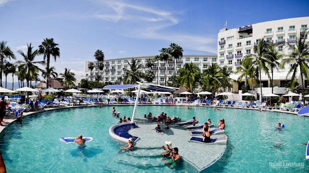 @aventureiros's cover photo for 'Hard Rock Hotel Vallarta, Nuevo Vallarta - México - Viagens Possíveis'