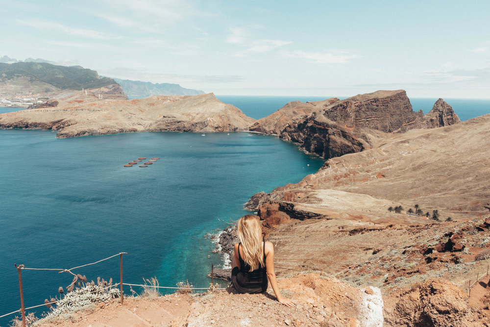 @simonemoelle's cover photo for 'Travel Guide To Madeira - The Hidden Paradise Island of Europe'
