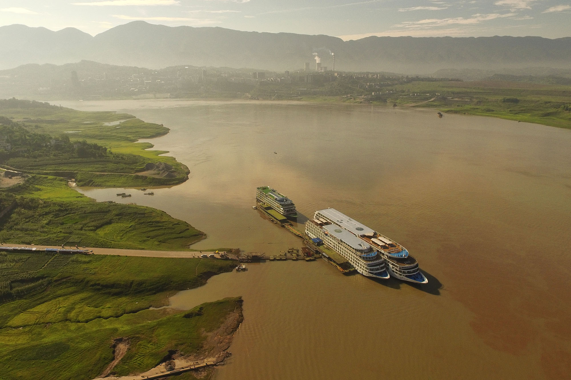 @orientexcess's cover photo for 'Viking's Yangtze Cruise: The Ship - The Orient Excess'