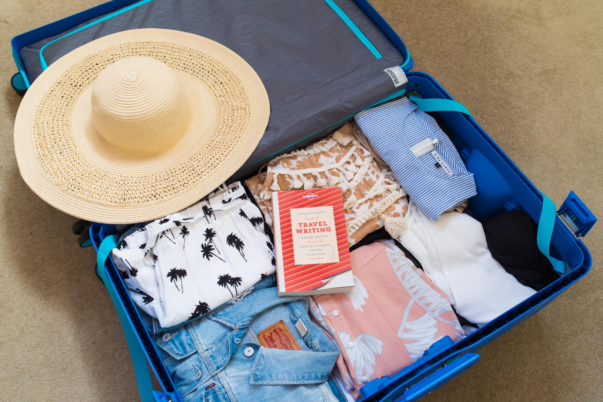 @departmentofwandering's cover photo for 'The 10 Biggest Packing Mistakes You're Making - The Department of Wandering'
