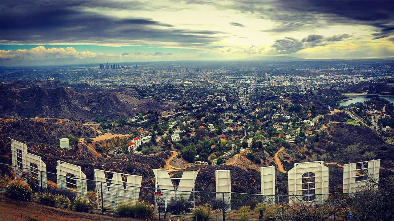 @paullenk's cover photo for '5 Unique Places to Visit in Los Angeles - LyxPlanet'