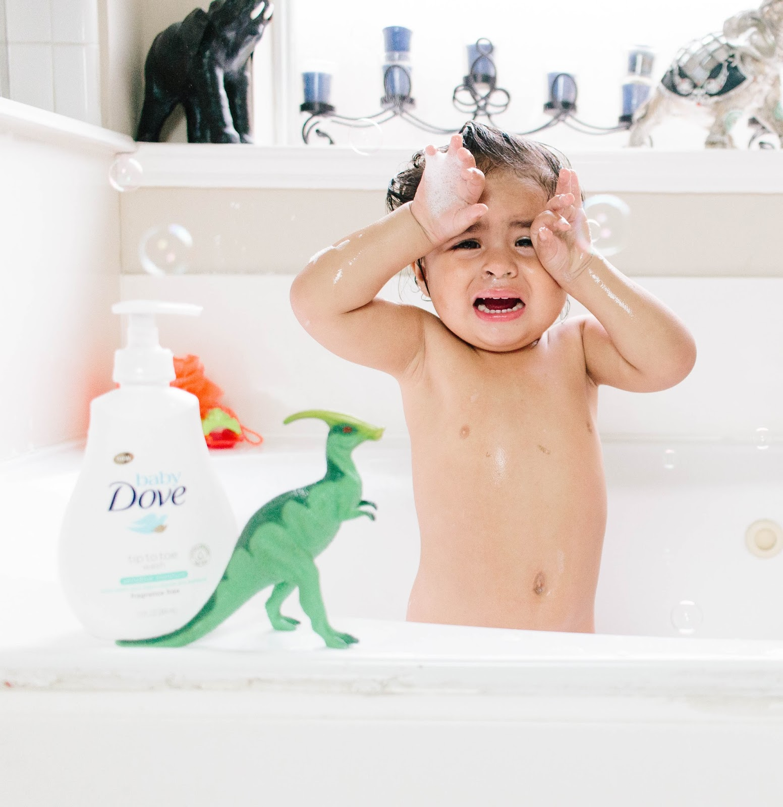 @newmominanewera's cover photo for 'Bath Time With Baby Dove'