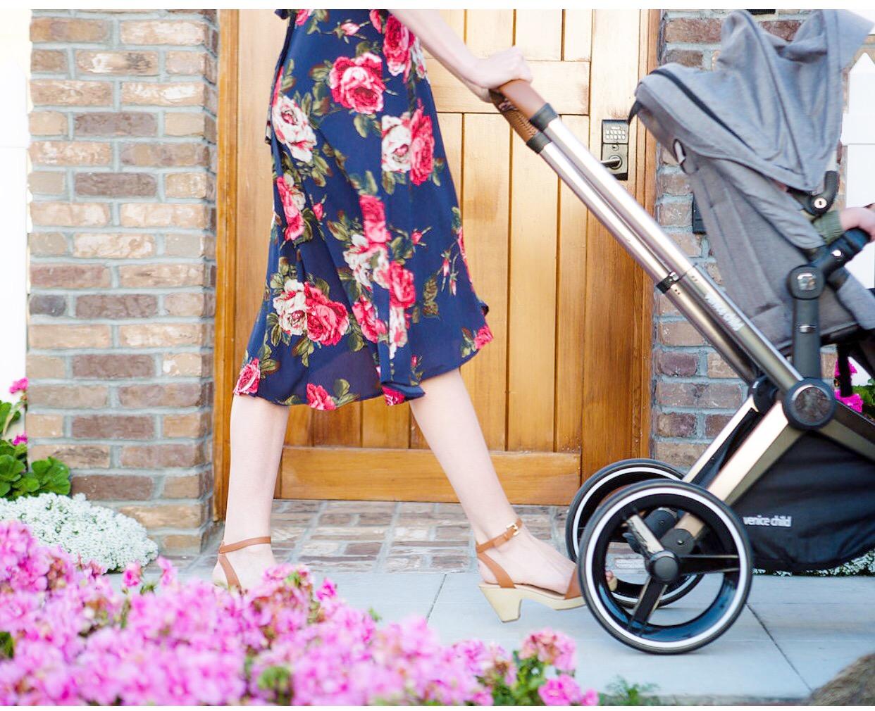 @neferteriplessy's cover photo for 'Introducting the Kangaroo Stroller | Single Moms Planet'