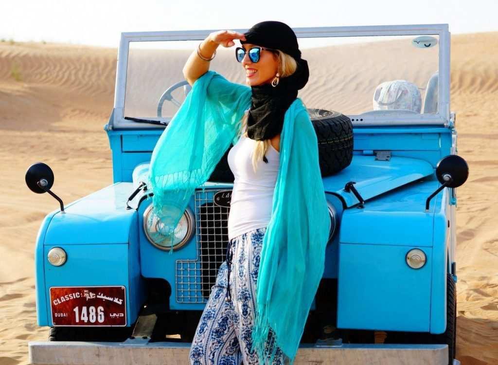 @luxury_heist's cover photo for 'Dubai Desert Safari, Vintage Style - Luxury Heist'