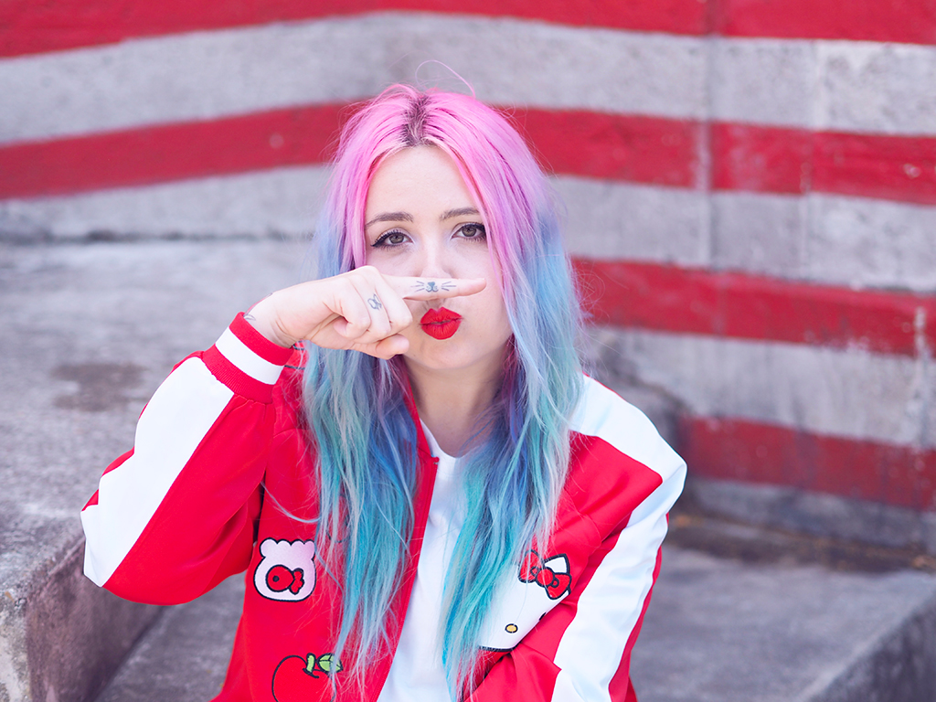 @iamlazykat's cover photo for 'Mode : La collaboration de Nylon x Sanrio avec un total look Hello Kitty - Lazy Kat'