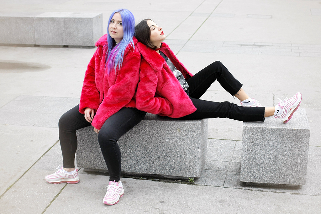 @iamlazykat's cover photo for 'Mode : Photoshoot twinsies avec MaleBitch pour Asos par Inga K. - Lazy Kat'