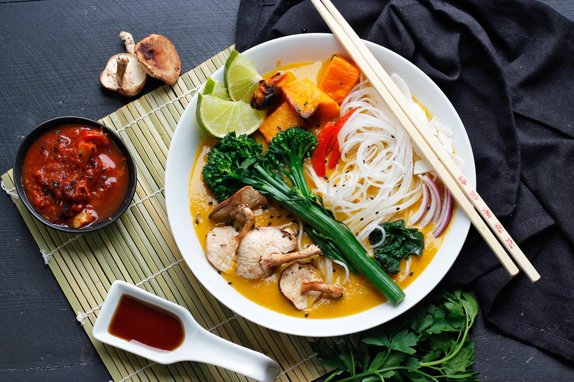 @greensmoothiegourmet's cover photo for 'Easy Vegan Khao Soi Thai Noodle Soup - Green Smoothie Gourmet'