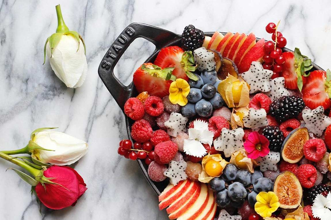 @greensmoothiegourmet's cover photo for 'Rainbow Acai Smoothie Platter {Healthy Brunch Dish} - Green Smoothie Gourmet'