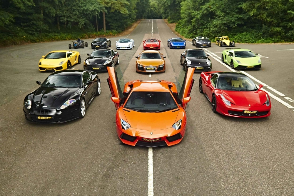 @screamingcars's cover photo for 'The Ultimate UK Driving Experience'