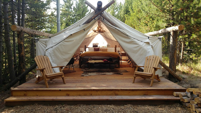 @thickgrlscloset's cover photo for 'Luxury Camping with Collective Retreats - A Thick Girl's Closet'