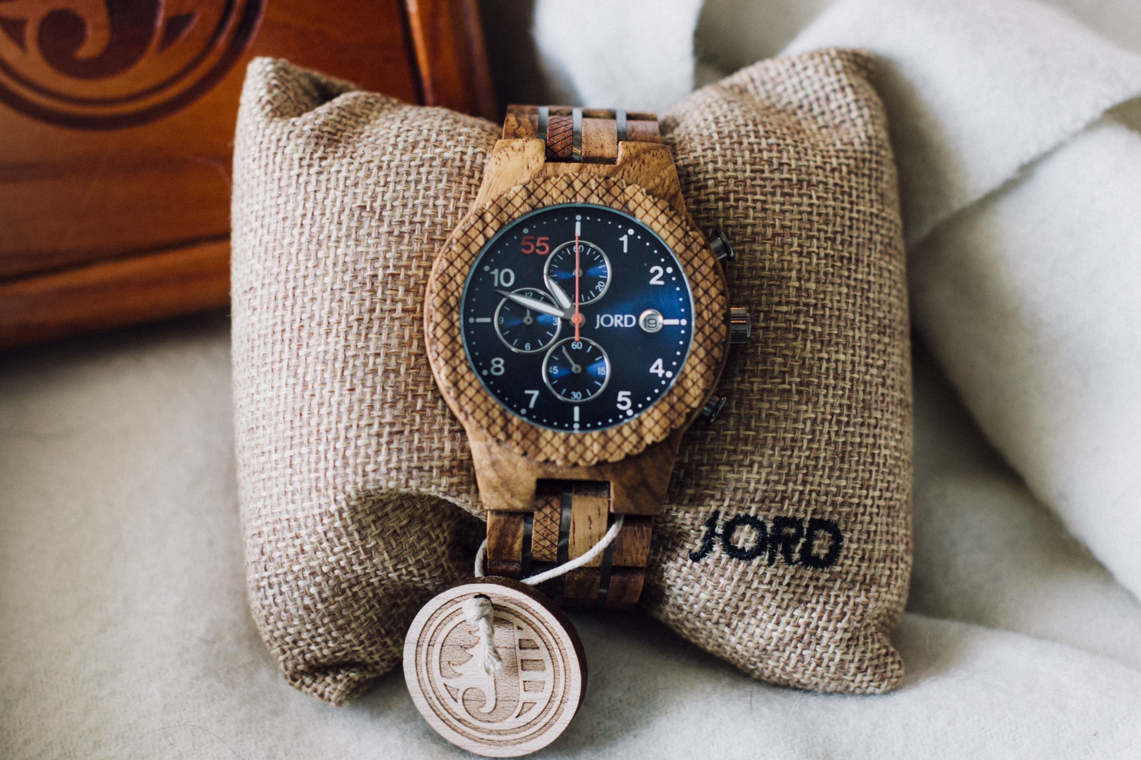 @madeleineraifordholland's cover photo for 'Time Flies with Jord Watches - Moderately High Maintenance'