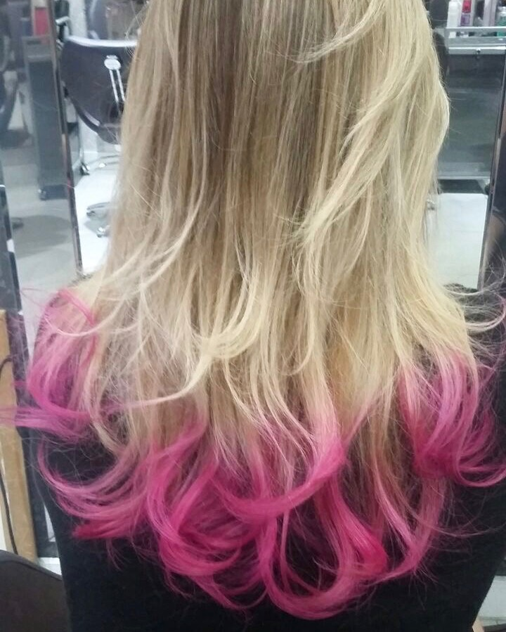 @giovanaquaglio's cover photo for 'O Segredo do meu cabelo rosa - Acho Tendencia'