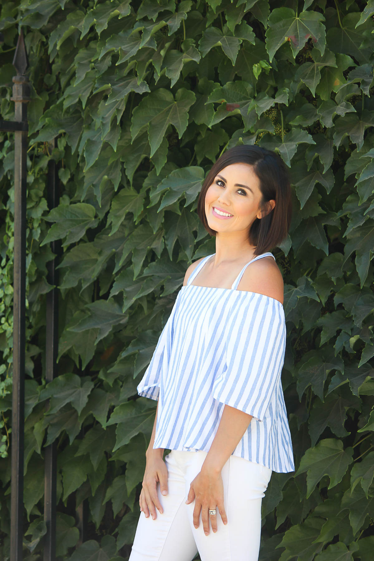 @cristencasados's cover photo for 'Cold-Shoulder Summer Style'