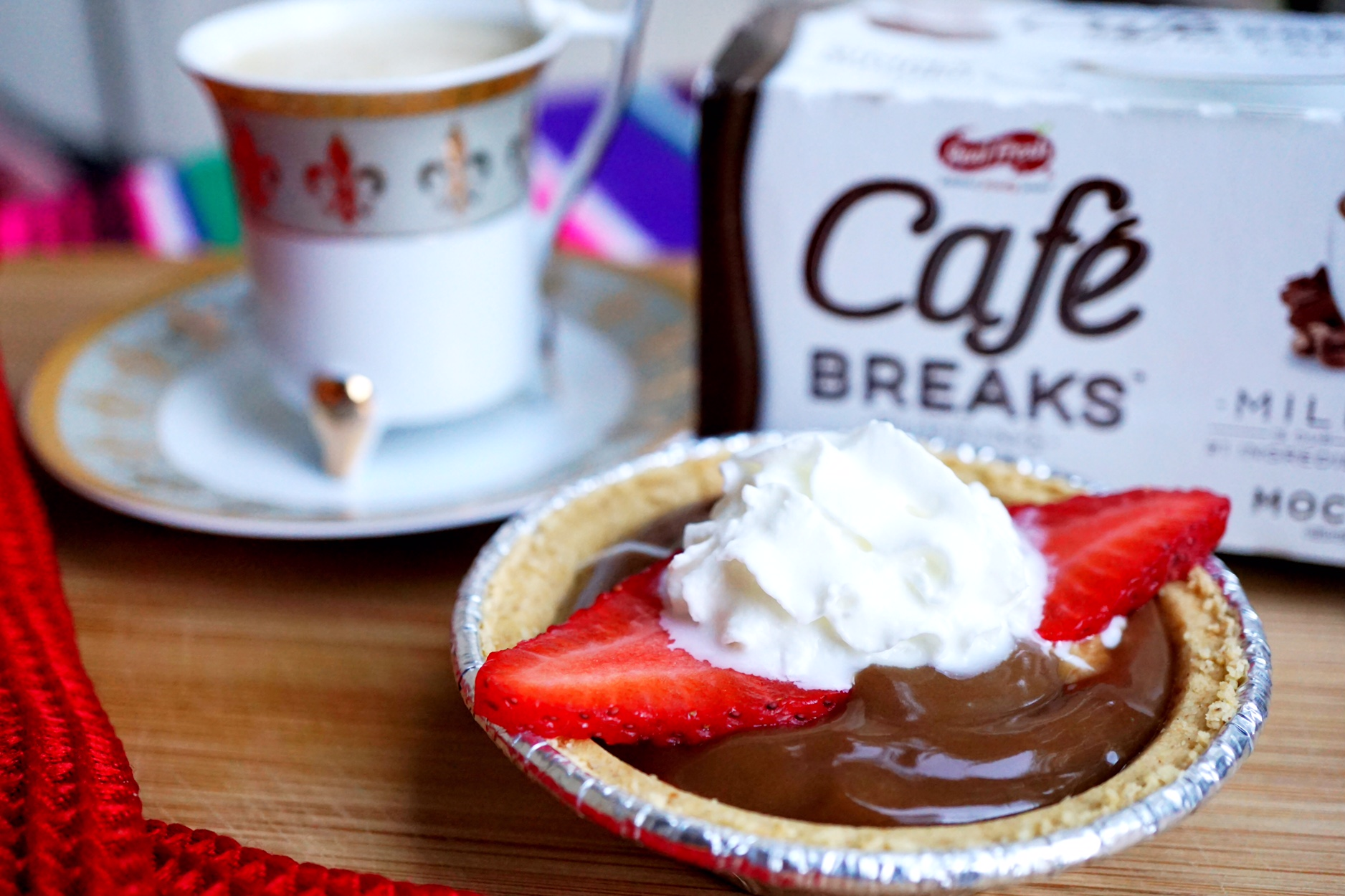 @sparklinglala's cover photo for 'The Perfect 200 Calorie Mocha Latte Mini Pie with Cafe Breaks'