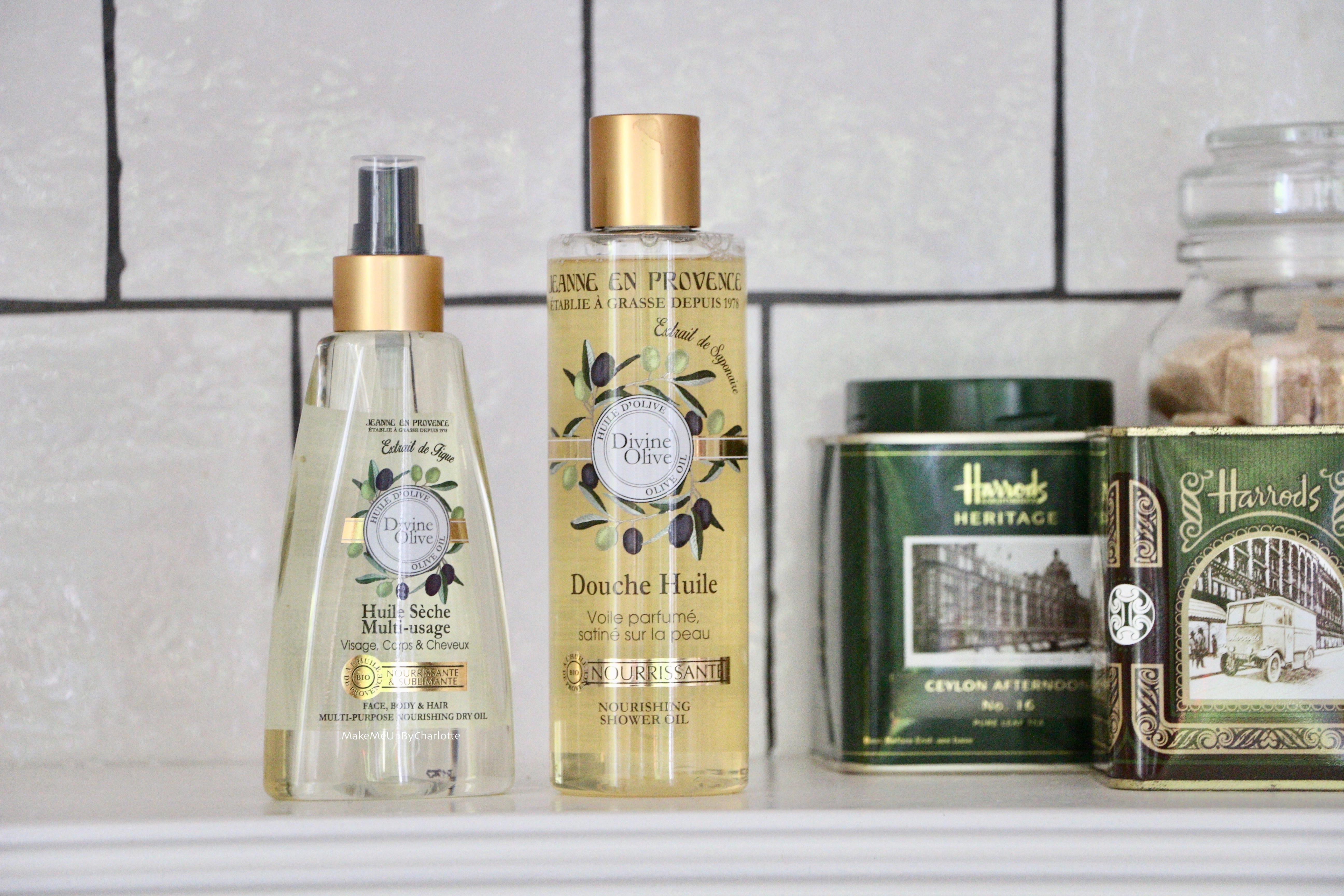 @makemeupbycharlotte's cover photo for 'On s'hydrate avec les huiles de Jeanne en Provence !'