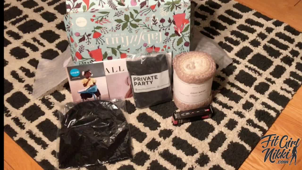 @qnhikohle's cover photo for 'VIDEO: FabFitFun Fall 2017 Unboxing'