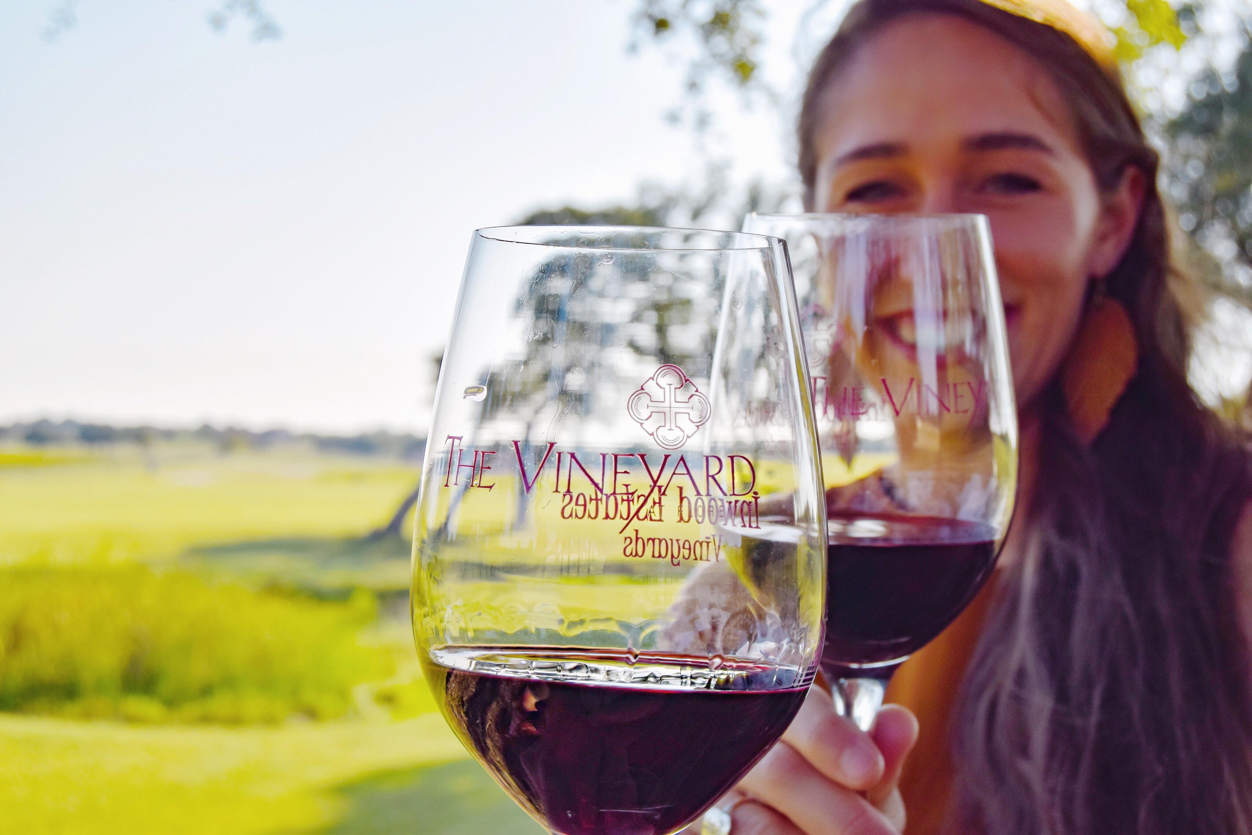 @amandakwaltman's cover photo for 'The Vineyard at Florence | The Brilliant Balance'