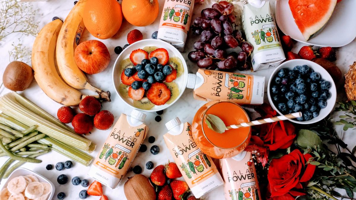 @alwayscreatingblog's cover photo for 'My Yogurt Parfait Recipe + Lunch w/SaladPower'