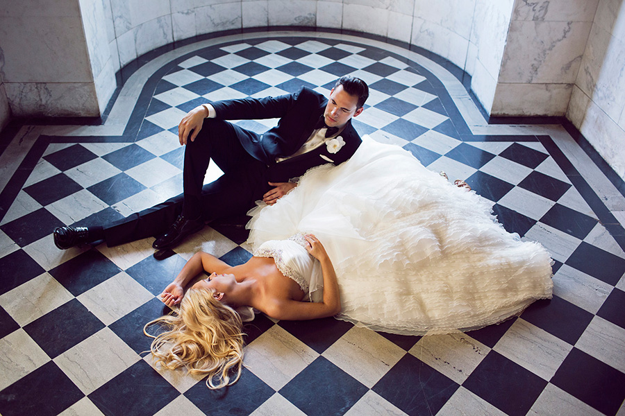 @strictlyweddings's cover photo for 'Shakespeare Wedding Day Evokes Passion and Love'
