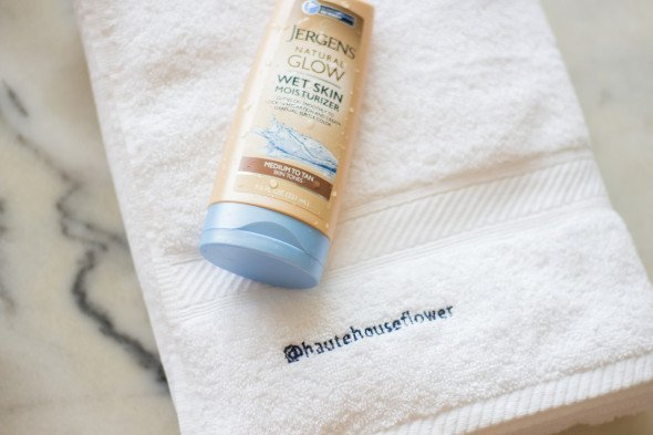 @hautehouseflower's cover photo for 'Perfect The At-Home Sunless Tan | HAUTE HOUSE FLOWER'