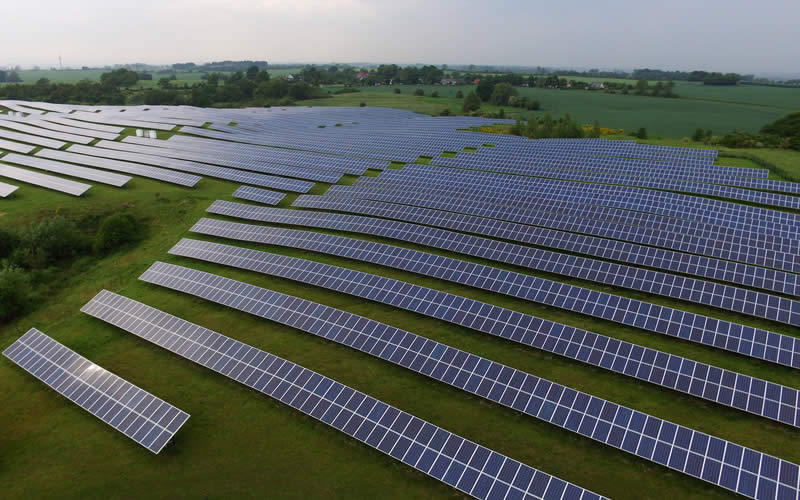 @greentumble's cover photo for 'Solar Energy Pros and Cons | Greentumble'