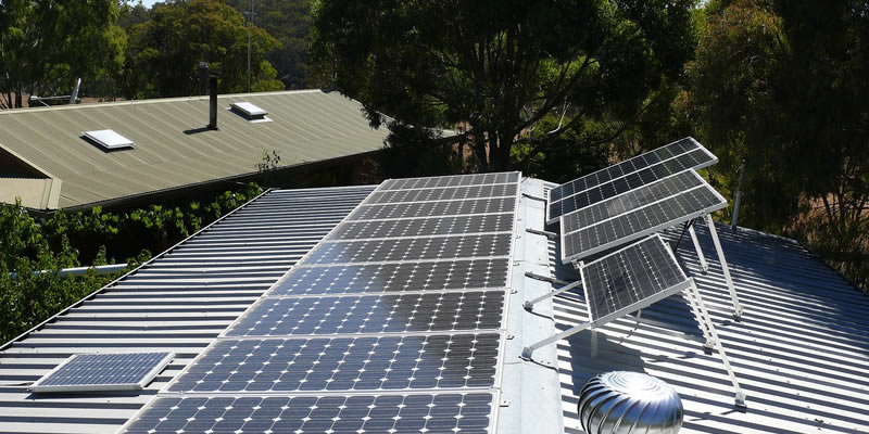 @greentumble's cover photo for 'How Long Do Solar Panels Last? | Greentumble'